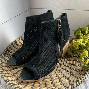 Sole Society perforated ankle booties sz 9.5